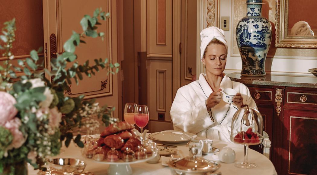 Poppy Delevingne, nouveau visage de la marque de luxe Sisley