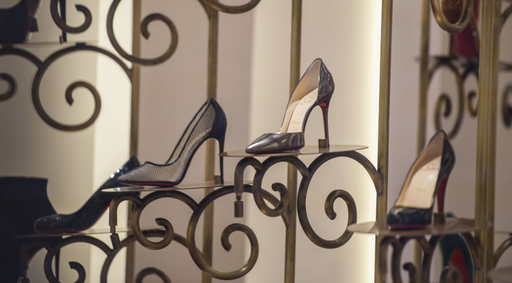 composition chaussure louboutin