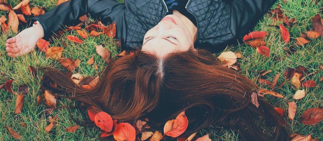 Comment enrayer la chute de cheveux en automne ?