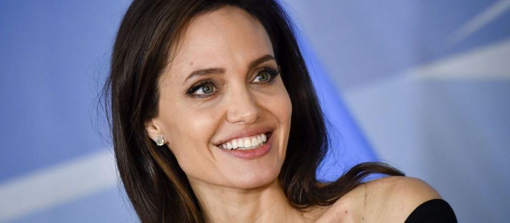 Procurez-vous les chaussures d'Angelina Jolie pour moins de 150 €
