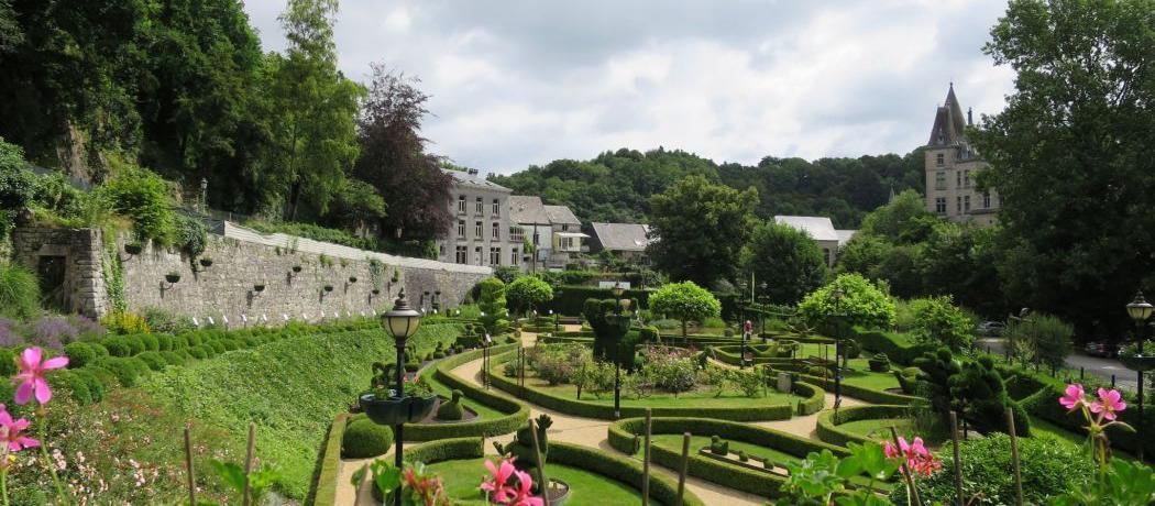 Cinq parcs et jardins publics où prendre un bain de soleil