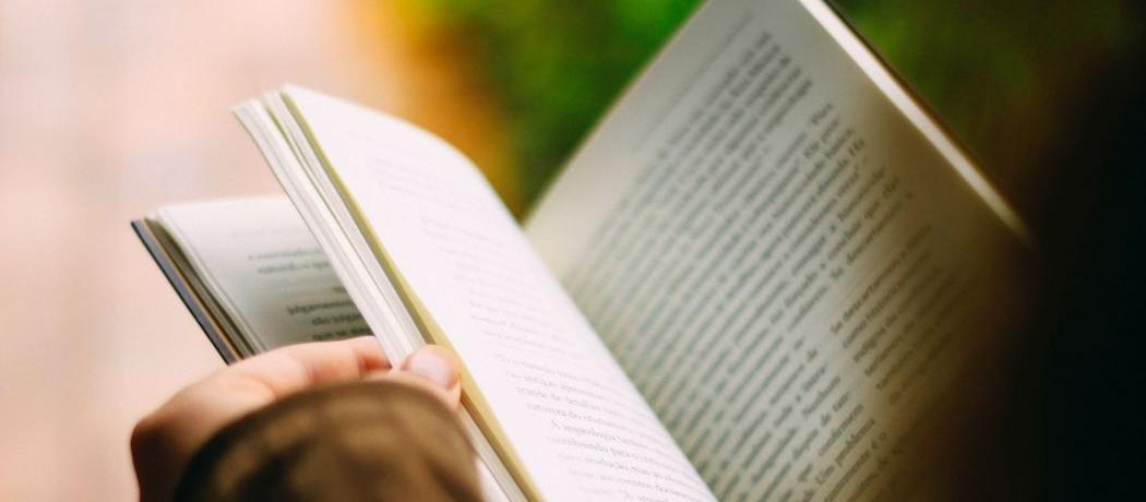 Lire un bouquin pendant quinze minutes : c'est le défi belge du jour