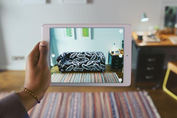 ikea lance une appli pour visualiser ses meubles chez vous avant de les acheter. Black Bedroom Furniture Sets. Home Design Ideas