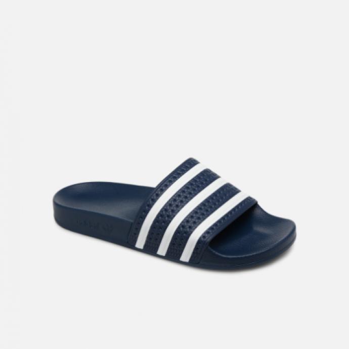 Claquettes, Adidas, 34,99 €.