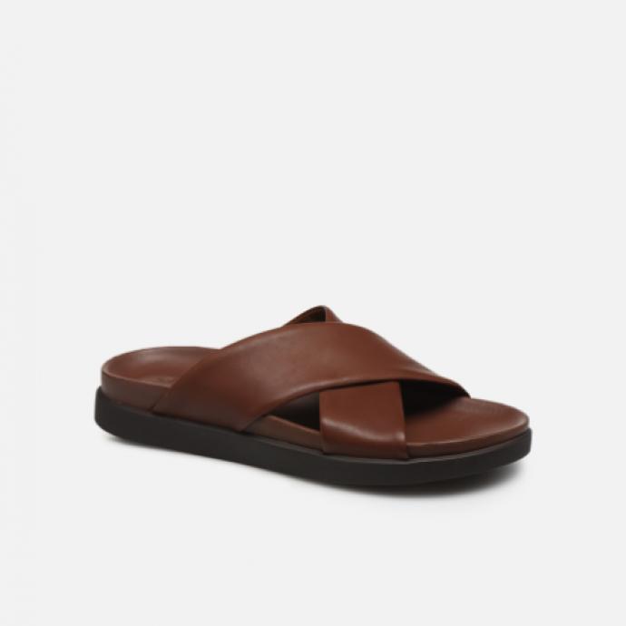Sandales en cuir, Clarks, 63,90 €.