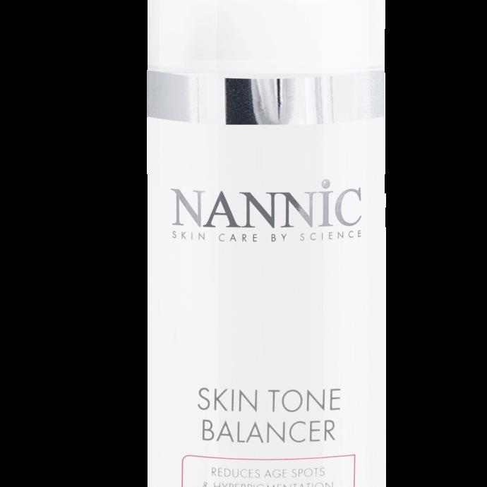 La formule bio-active de cette marque belge lisse la peau et agit contre les taches de pigmentation dues a l'age ou au soleil, ainsi que sur les taches de rousseur.