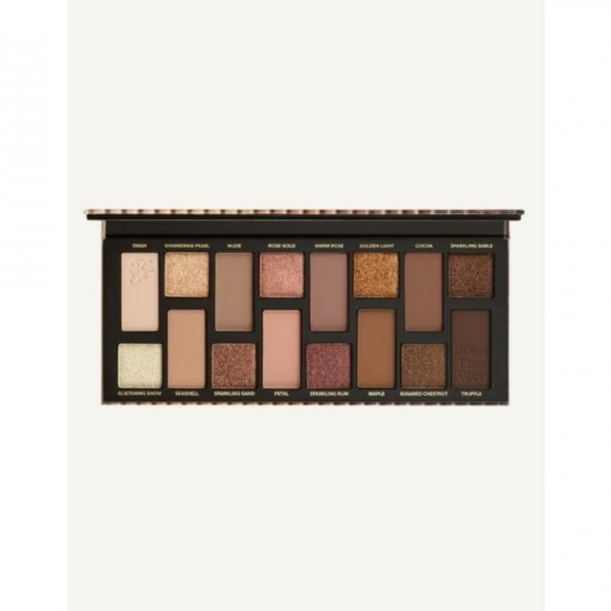 """Une palette de fards &agrave; paupi&egrave;res Too Faced, 43 euros, &agrave; shopper <a href=""""https://www.debijenkorf.be/"""" target=""""_blank"""">ici</a>."""