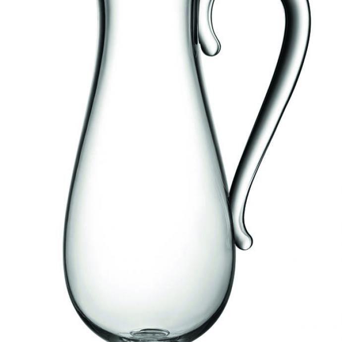 """<strong>En toute &eacute;l&eacute;gance</strong><br />Pour le pique-nique, carafe (H 27 et &Oslash; 10,5 cm) et verre (H 11 et &Oslash; 8 cm) en r&eacute;sine thermoplastique imitant le verre. Cr&eacute;ation Marcel Wanders pour Alessi, 45 &euro; et 11,5 &euro;, la pi&egrave;ce (<a href=""""http://www.alessi.com"""" target=""""_blank"""">www.alessi.com</a>). &copy; Alessi"""