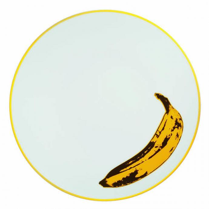 """<strong>Pop Art</strong><br />D&rsquo;apr&egrave;s une &oelig;uvre d&rsquo;Andy Warhol, assiette en porcelaine de Limoges, 2 couleurs. &Oslash; 21 cm. Mod&egrave;le Banana, collection Ligne Blanche, 90 &euro;, l&rsquo;une (<a href=""""http://www.ligneblancheparis.com"""" target=""""_blank"""">www.ligneblancheparis.com</a>). &copy; Ligne Blanche&nbsp;"""