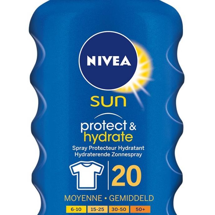 Enfin le truc qui ne tache pas les T-shirts ! Nivea Sun Protect & Hydrate et Kids, 16,69 €.