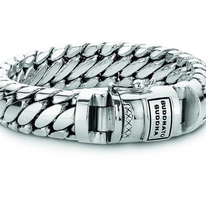Une gourmette régressive : Bracelet en argent, Buddha to Buddha, 699€.