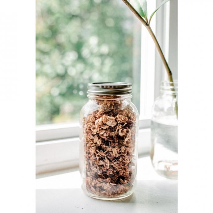 """Un granola ultra croquant. <em>D&eacute;couvrez la recette <a href=""""http://slowmornings.com/granola-mega-pepites/"""" target=""""_blank"""">ici.</a></em>"""