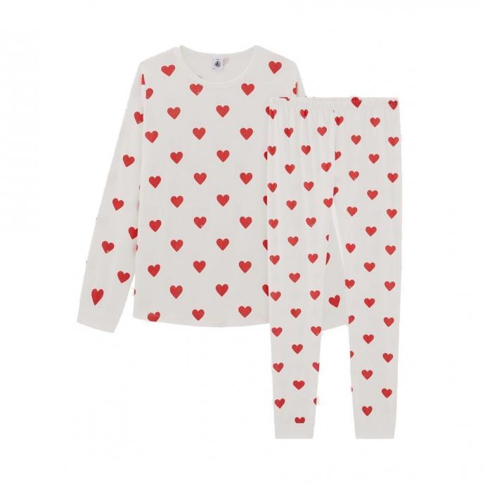 "Un pyjama c&oelig;ur Petit Bateau, 45,90 euros, &agrave; shopper <a href=""http://www.petit-bateau.be"" target=""_blank"">ici</a>.&nbsp;"