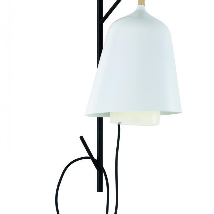 <strong>Design organique &eacute;voquant une fleur</strong>, lampe nomade Sous mon arbre en poly&eacute;thyl&egrave;ne (H 41 &Oslash; 25 cm), 269 &euro;, cr&eacute;ation Florian Brillet pour Cinna chez LightOnline (cinna.fr et lightonline.fr).