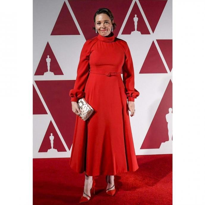 Olivia Colman en robe Dior.