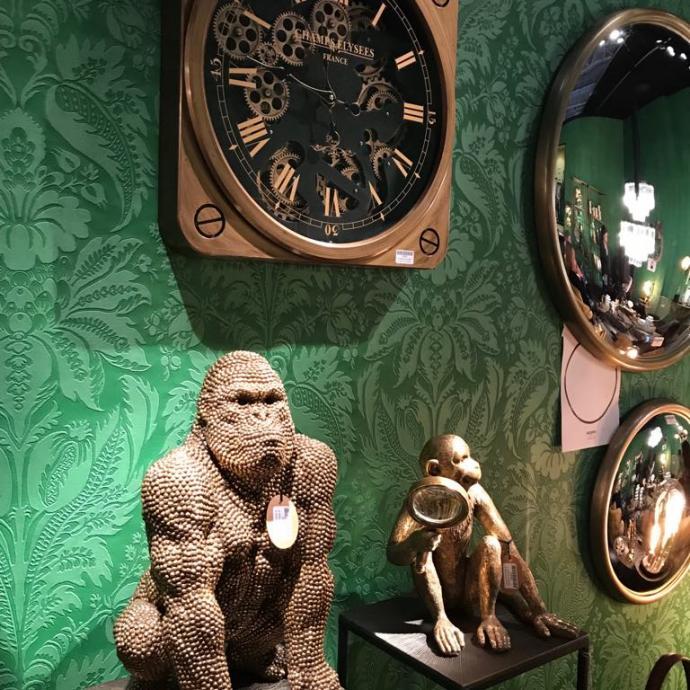 Gorilles et autres petits singes.