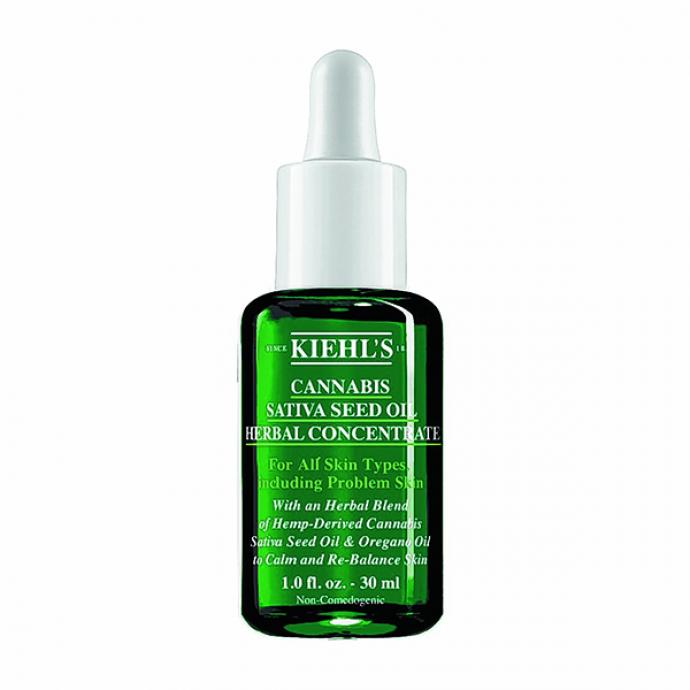 "Huile calmante &agrave; base de chanvre Cannabis Sativa Seed Oil Herbal Concentrate, Kiehl&rsquo;s, 46 &euro;, <a href=""http://kiehls.be"" target=""_blank"">kiehls.be</a>"