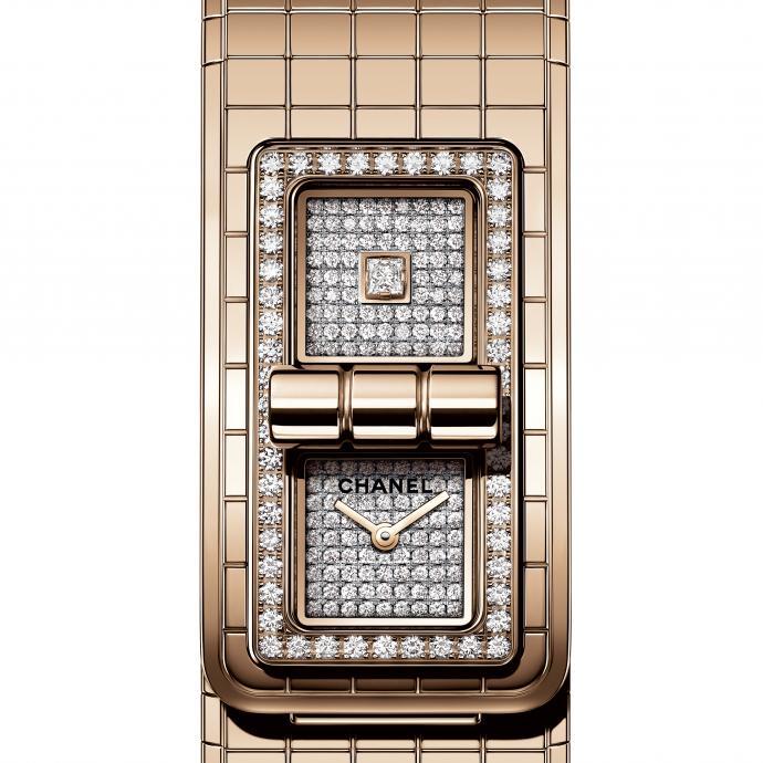 Lunette sertie de 52 diamants taille brillant, deux cadrans sertis de 152 diamants taille brillant et 1 diamant taille princesse, mouvement quartz. Prix : 50.000 €.