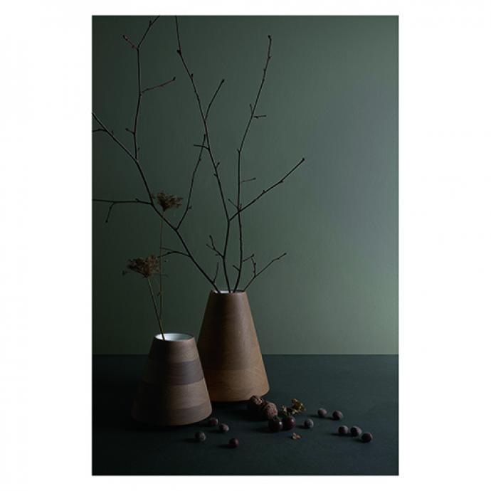 Vases Etna, en bois tourné, édités par Per/Use. © Catherine Dethier