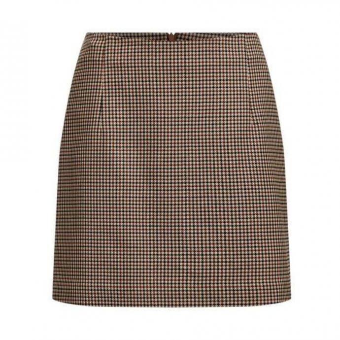 """Jupe en pied-de-poule, WE Fashion, 49,99 &euro;,disponible <a href=""""https://www.wefashion.be/fr_BE/jupe-pied-de-poule-femme-95678337_0431.html?dwvar_95678337__0431_color=0431&amp;backtolist=true """" target=""""_blank"""">ici.</a>&nbsp;"""