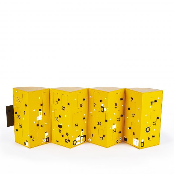 Désigné par l'artiste italien Gio Pastori, ce calendrier de l'avent ultra-désirable offre une panoplie de produits prestigieux, incluant des produits pour le bain et le corps en format miniature et une surprise un peu spéciale pour le 25 décembre.