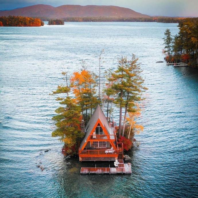 Au beau milieu d'un lac au Canada.