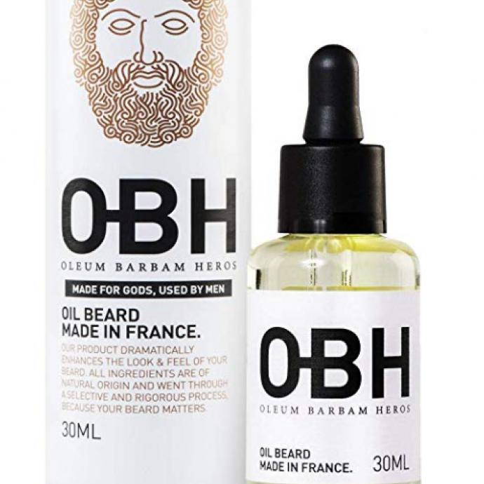 Cette huile est composée d'un mélange de 4 huiles organiques : huile d'argan, huile de macadamia, huile de pépins de raisin, huile de graine de sésame, idéal pour nourrir vos poils en profondeur.