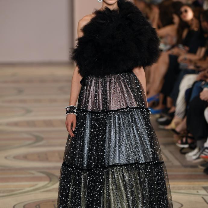 La robe féerique de Giorgio Armani. Haute couture automne-hiver 2019-2020, Paris, le 2 juillet 2019.© CHRISTOPHE ARCHAMBAULT / AFP