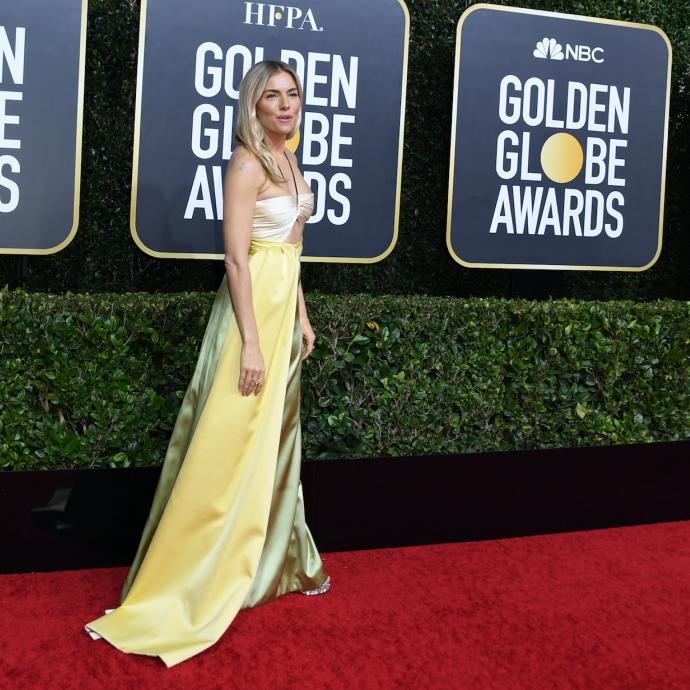 L'actrice de 38 ans est apparue dans une longue robe couleur citron Gucci.