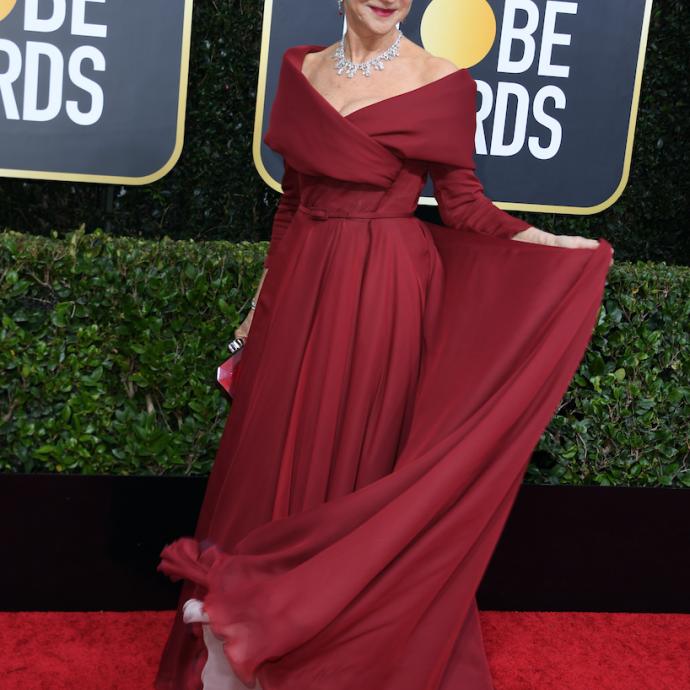 L'actrice britannique Helen Mirren portait une robe Haute Couture de la maison Dior accessoirisée par une parure en diamant d'une valeur de 4 millions de dollars.