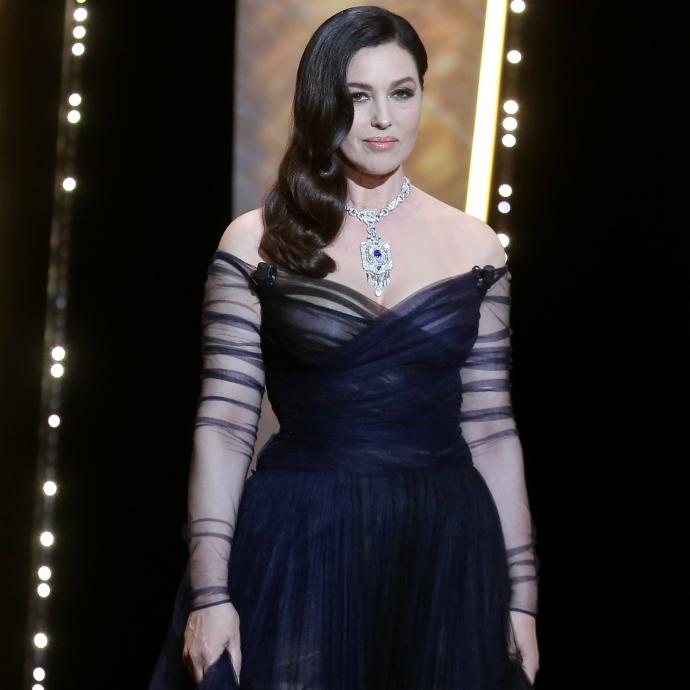 L'actrice et mannequin franco-italienne Monica Bellucci en bijoux Cartier lors de la cérémonie d'ouverture suivie de la projection du film « Les fantômes d'Ismaël ».