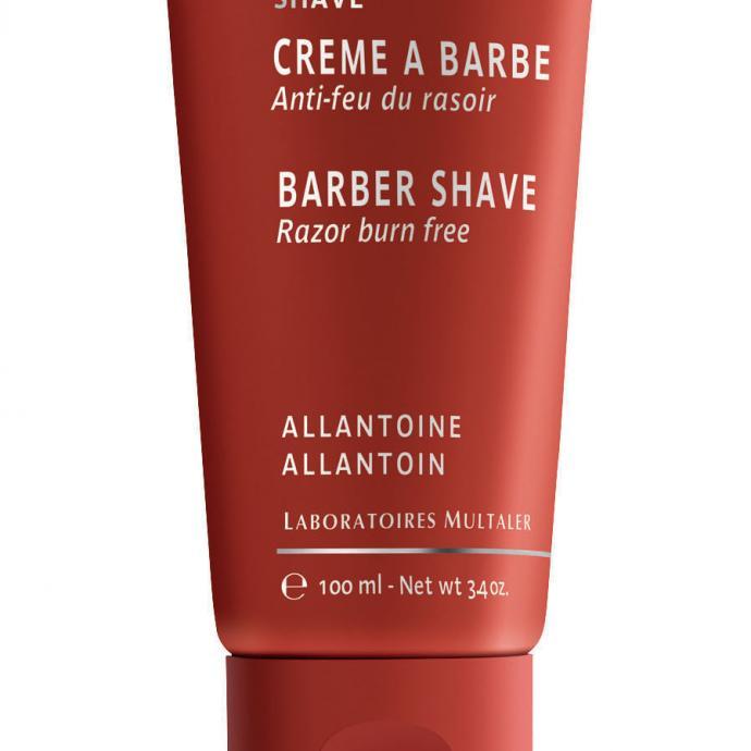 Idéale pour les peaux sensibles, la Crème à barbe Anti-feu du rasoir signée Yon-Ka évite les irritations dues au rasoir et prévient les micro-coupures. 22 €