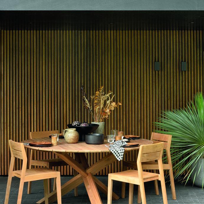 Ensemble de mobilier extérieur en bois, Ethnicraft, à partir de 509€