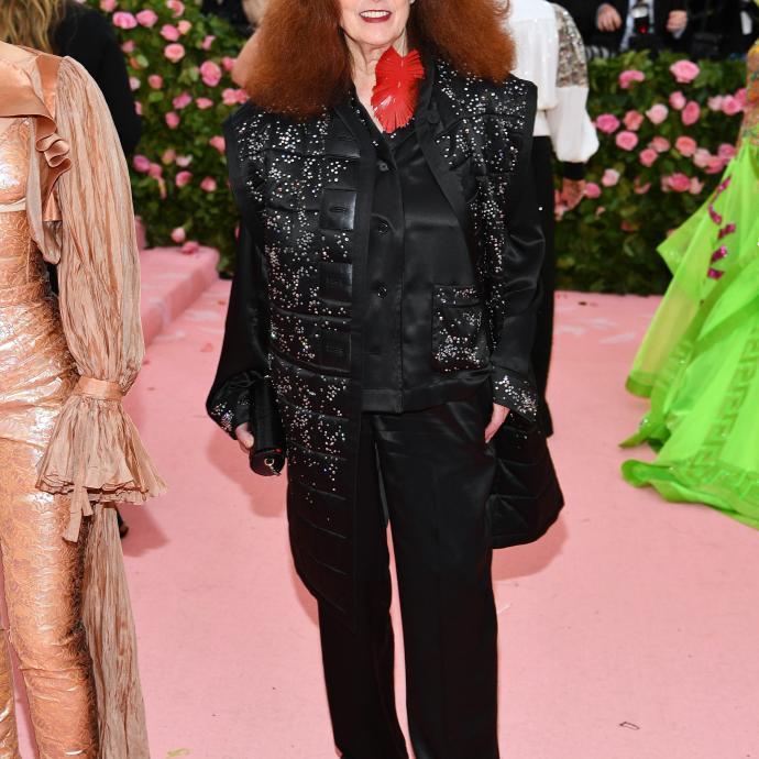 L'ancienne directrice artistique du magazine Vogue, Grace Coddington portait quant à elle une tenue signée Louis Vuitton