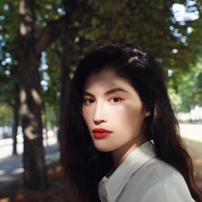 """Mannequin chinois, egalement actrice, elle defile pour Fendi et devient la deuxieme femme asiatique a devenir un """"ange"""" de Victoria Secret."""