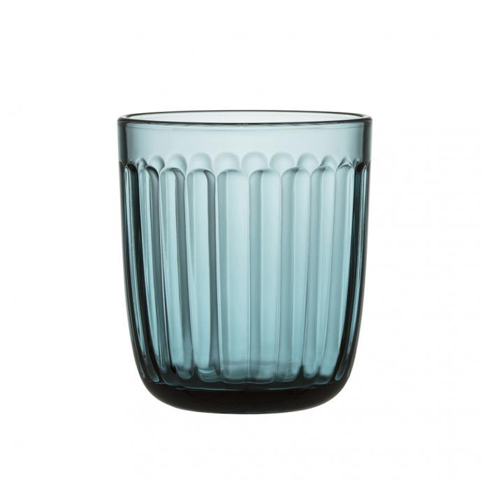 Verre bleu facetté, Iittala, 22,90€ pour 2 pièces.