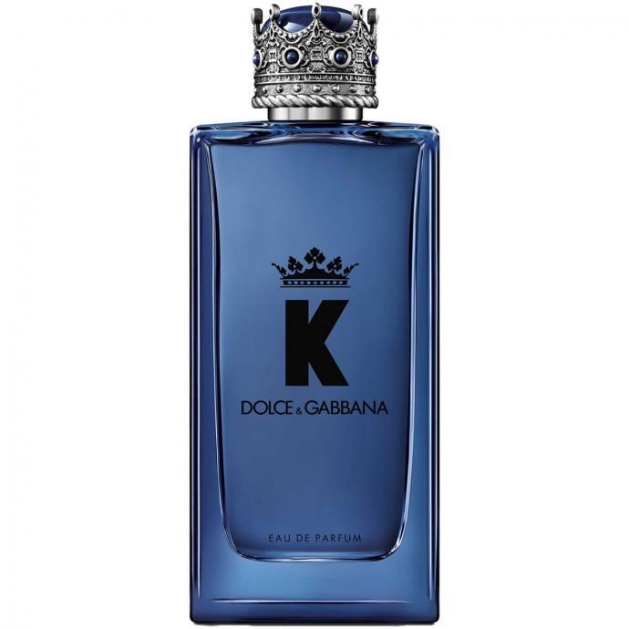 Il est magn&eacute;tique et rassurant<br />Une fragrance hyper sensuelle : des notes de t&ecirc;te d&rsquo;agrumes vivifiantes, temp&eacute;r&eacute;es par la cardamome le piment press&eacute; et la figue, avec du c&egrave;dre et du v&eacute;tiver bois&eacute; en note de fond.<br />DOLCE&amp;GABBANA, K, eau de parfum, 101,90&euro;