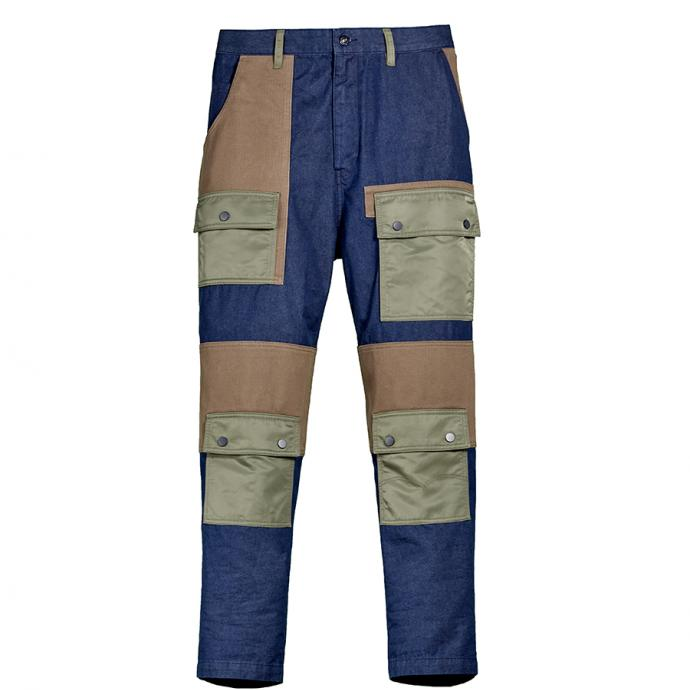 Pantalon multipoches, Levis, 399,95€.