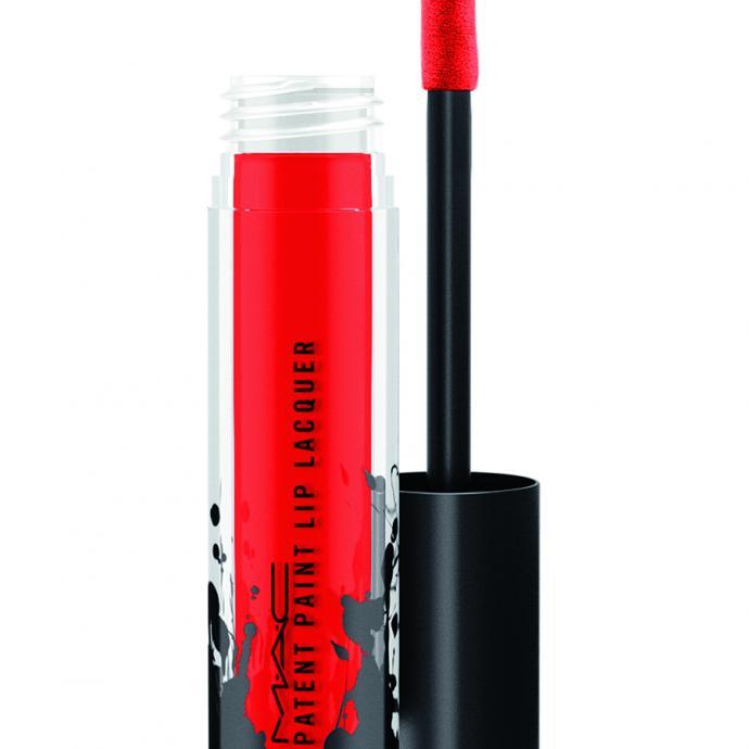 Pour faire exploser son sourire : Rouge vif Patent Paint Lip Laquer, MAC, 24,50€.