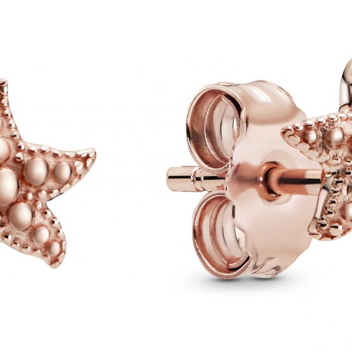 Clous d'oreilles en étoile de mer, Pandora, 49€.