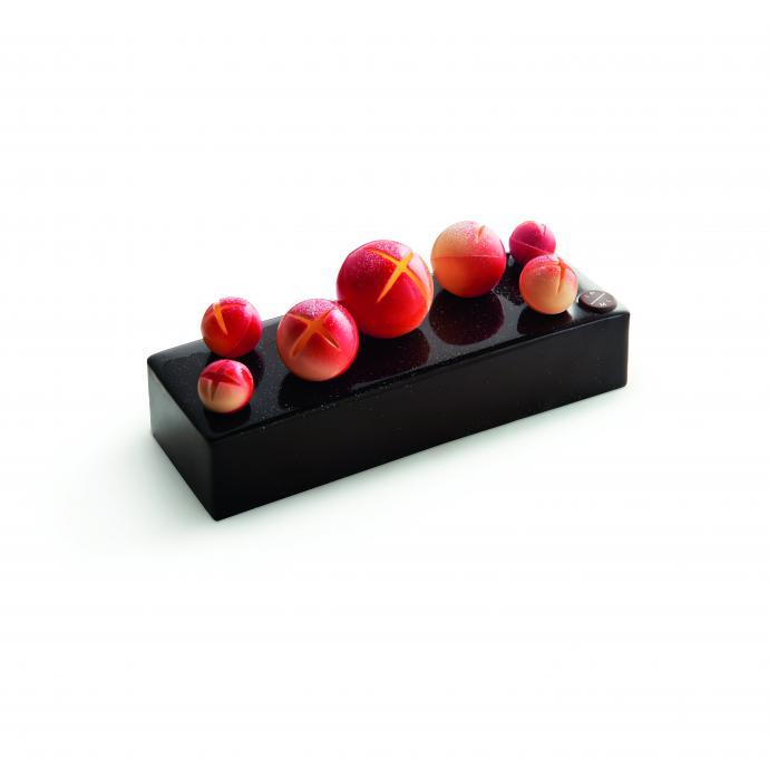 Chocolat et caramel. 45 €. eu.marcolini.com