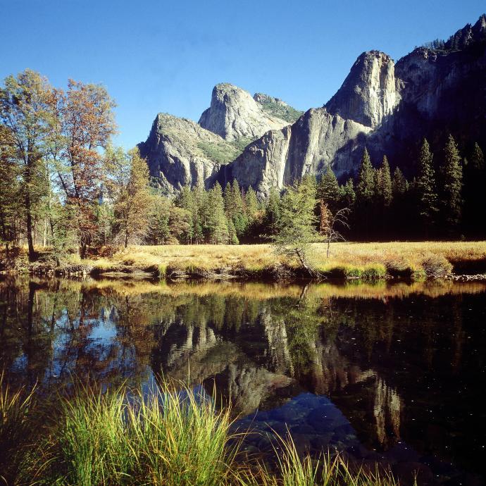 Yosemite: la vallée californienne est bien LA Mecque mondiale de l'escalade, THE Big Wall. Confort, climat, accès facile… Des novices aux plus aguerris, tout le monde reste époustouflé.©Reporters.