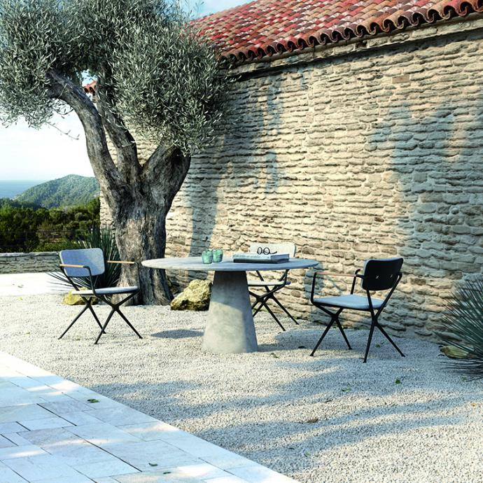Table ronde en pierre, EXES, Royal Botania, prix sur demande