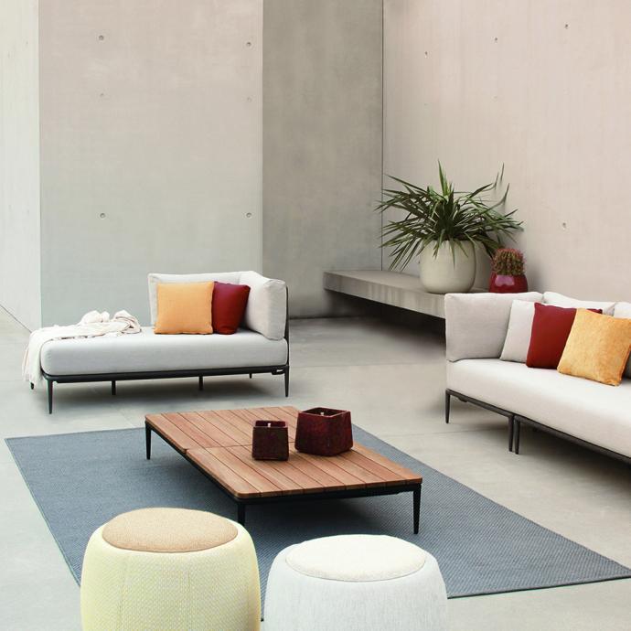 Le concept Lusit Lounge chez Royal Botania, un canapé aussi modulable que le sont les modules de canapés intérieurs de nos jours.