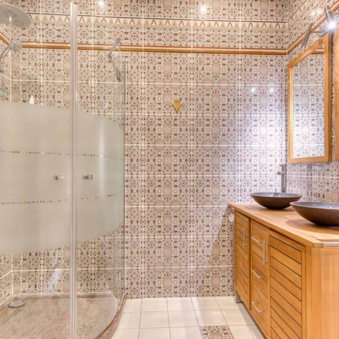 La salle de bain de la Suite de luxe