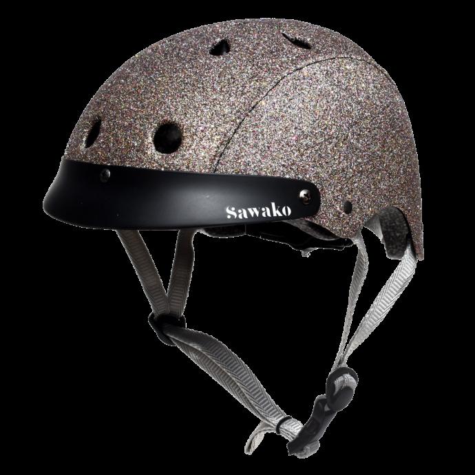 "Un casqe façon boule disco, Sawako, 119,95 €. Disponible <a href=""https://www.sawako.com/products/sparkle-glitter-helmet"" target=""_blank"">ici.</a>"