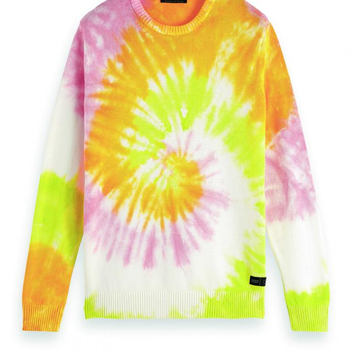 <strong>Un pull d&rsquo;&eacute;t&eacute; </strong>: Pull tie &amp; dye, Scotch &amp; Soda, 84&euro;
