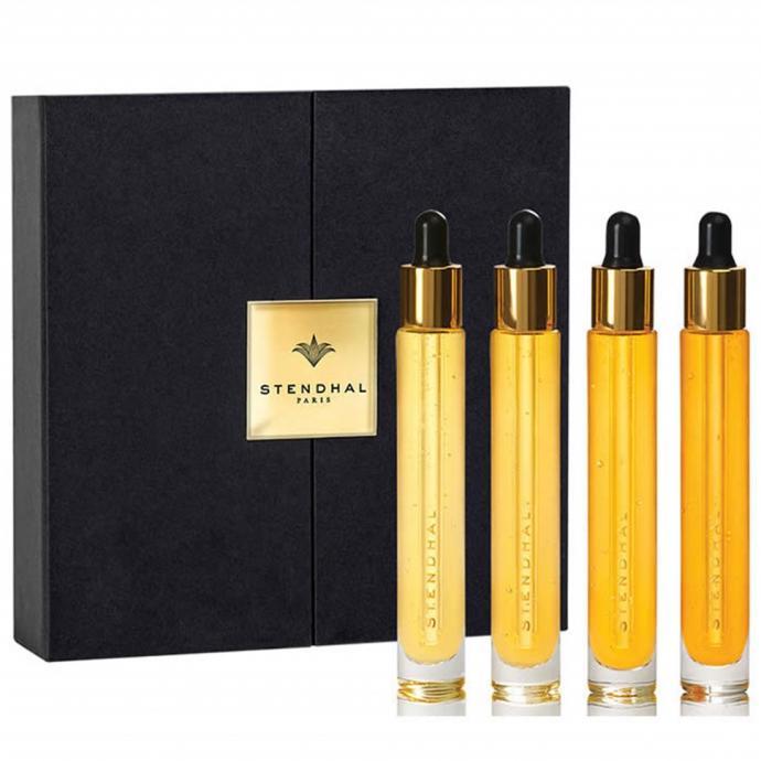 4 Flacons pour 4 semaines de cure de luxe intensive de renouvellement de la peau. Pur Luxe, La Cure Divine, Stendhal, 359,17€ en exclusivité chez Planet Parfum.