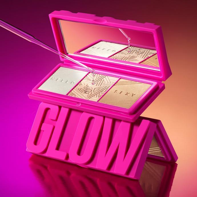 La palette Glamglow illumine votre teint instantanément. Ces poudres hybrides ultra-moderne sont dotées de trois teintes lumineuses complémentaires, PEARL GLOW, NUDE GLOW et SUN GLOW. Elles peuvent être utilisées sur le visage et le corps. Elles peuvent être mélangées ou utilisées seule, selon le teint que vous recherchez.