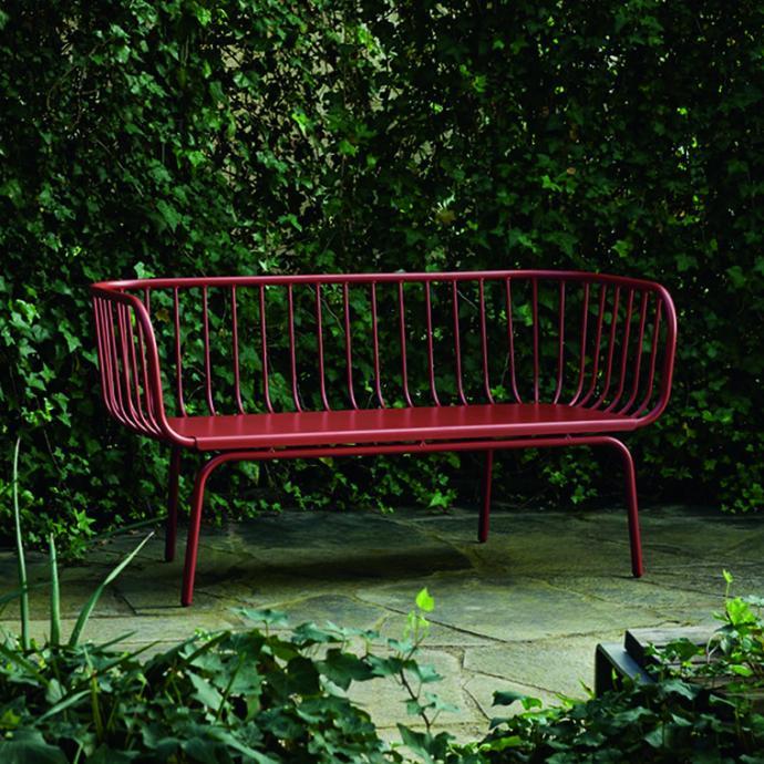 Banc en métal rouge Brusen, Ikea, 199€